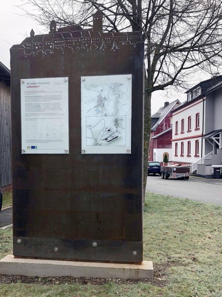 An 23 Stationen, überall verteilt in Lichtenberg, erfahren Sie Geschichten aus der reichen Geschichte unserer Stadt.